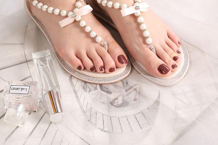 Cum să îți alegi corect sandalele de vară. Modele pentru 2021