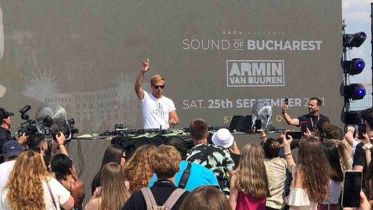 Armin Van Buuren, concert de zile mari pe acoperișul Palatului Parlamentului