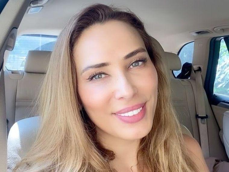 Iulia Vântur este în România. Motivul pentru care stă departe de Salman Khan