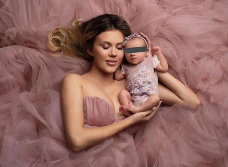 Emily Burghelea și fetița