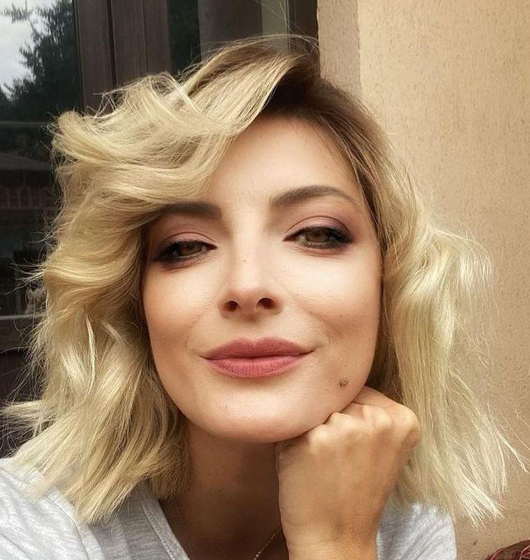 //DESCOPERĂ// Cine este Anisa Săndulache, prezentatoarea care a intrat în atenţia lui Jador