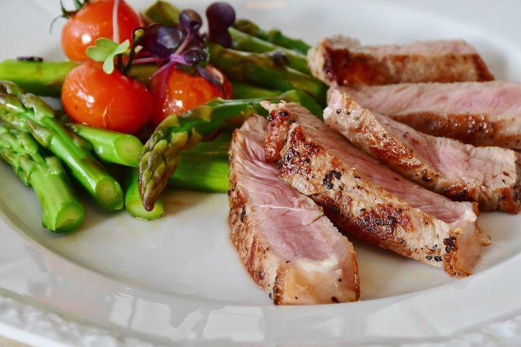 Dieta Keto – cum funcționează și ce alimente sunt permise