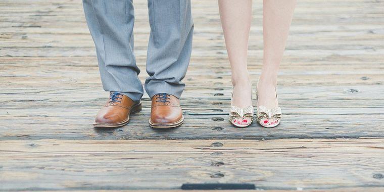 Cum să scapi de zgârieturile de pe pantofii de piele