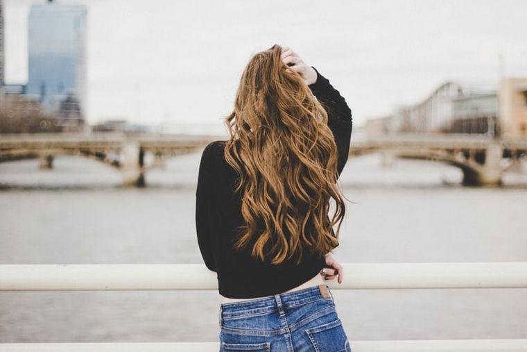 Cele mai simple coafuri pentru păr lung