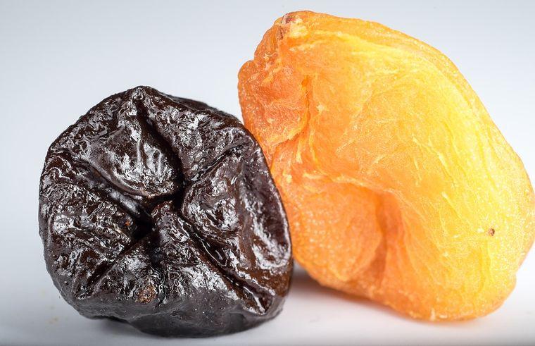 Cum se face mâncarea de prune uscate. Este excelentă pe timp de post