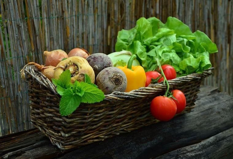 Cum se face rapid și ușor ghiveciul de legume moldovenesc