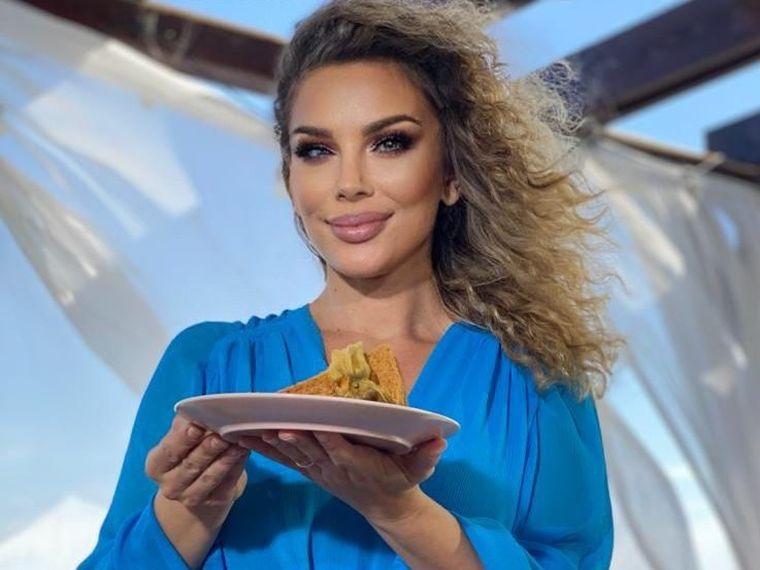 """Alina Laufer gătește și uimește cu """"Rețeta în 5 minute""""!"""