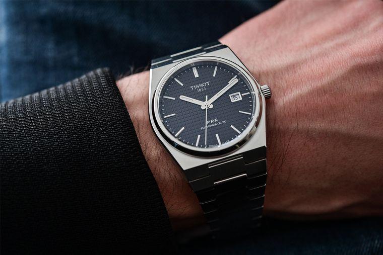 Un ceas achiziționat din reprezentanta Tissot este cadoul perfect!