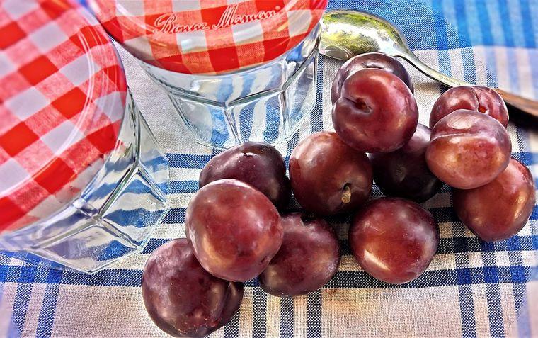 Cât timp se fierbe compotul de prune