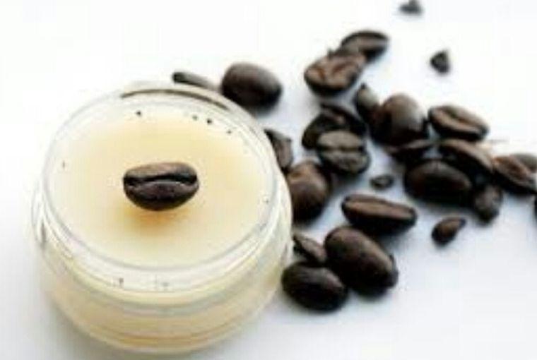 Crema miraculoasă cu ulei de măsline și cafea care te scapă de celulită