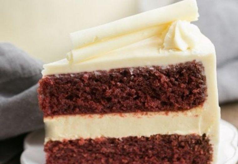 Tortul care sa-ti impresioneze soacra - cu glazura din crema de branza