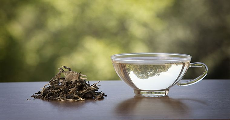 Tu stii care sunt beneficiile ceaiului alb? Iata ce proprietati miraculoase are!