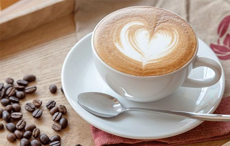 10 motive in plus sa bei cafea zilnic