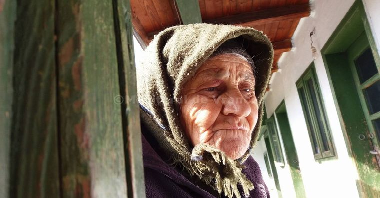 Cinci descantece pentru deochi de la bunica Vetuta din Dumitresti