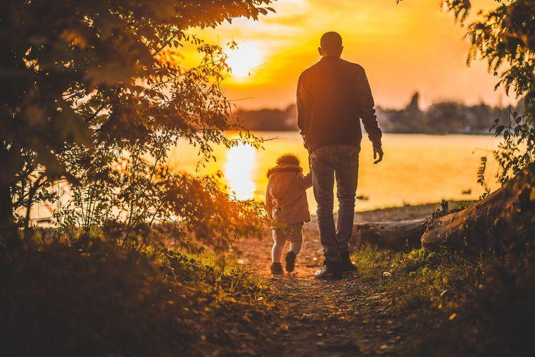 Scrisoarea emoţionantă prin care un tată i-a dezvăluit copilului că nu există Moş Crăciun: Credea atât de sincer că vin renii încât ne era clar că o să sufere cumplit