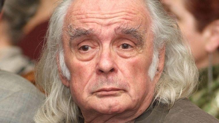 Poetul Emil Brumaru a murit, după ce a suferit un stop cardio-vascular