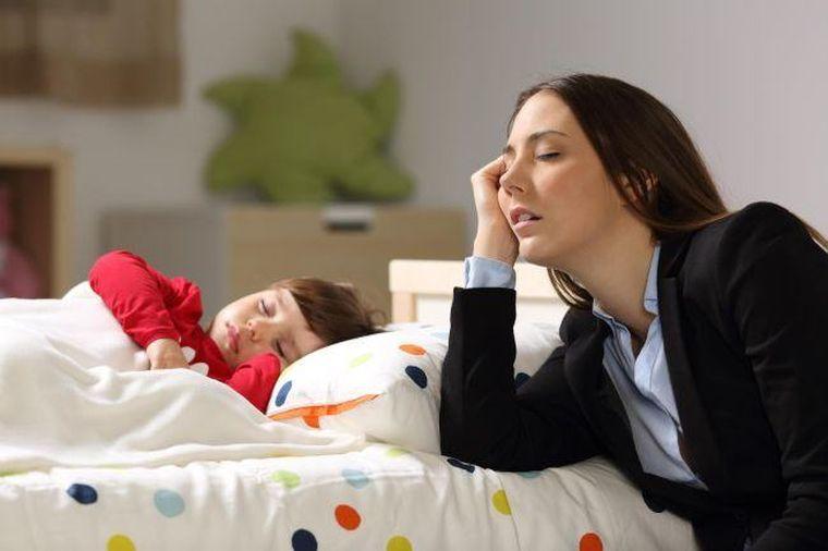 STUDIU: S-a aflat motivul pentru care mamele sunt atat de obosite dimineata