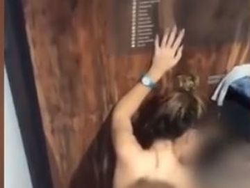 Doi tineri au facut sex la Therme! VIDEO