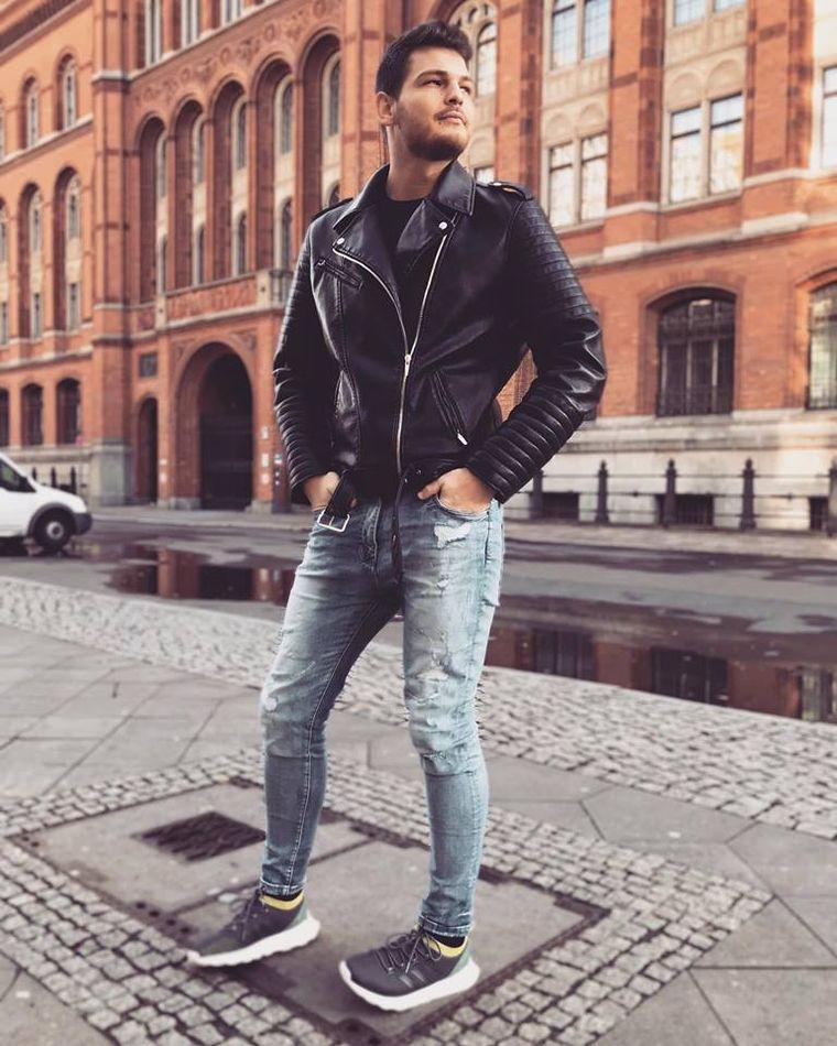 """Bomba începutului de an! Răzvan Botezatu mărturisește în premieră: """"Sunt gay! Și ce dacă?""""! Prezentatorul TV nu se mai ascunde și vorbește deschis despre sexualitatea lui"""