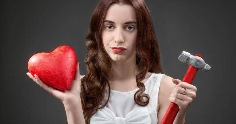 Cele trei zodii care urăsc Ziua Îndrăgostiților. Nici nu vor să audă de ea
