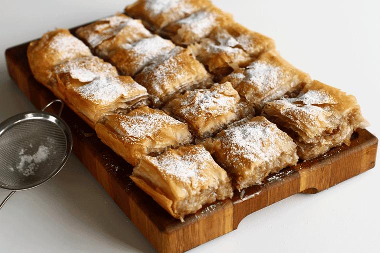 Plăcintă cu mere: ce să pui în compoziţie pentru un gust desăvârşit