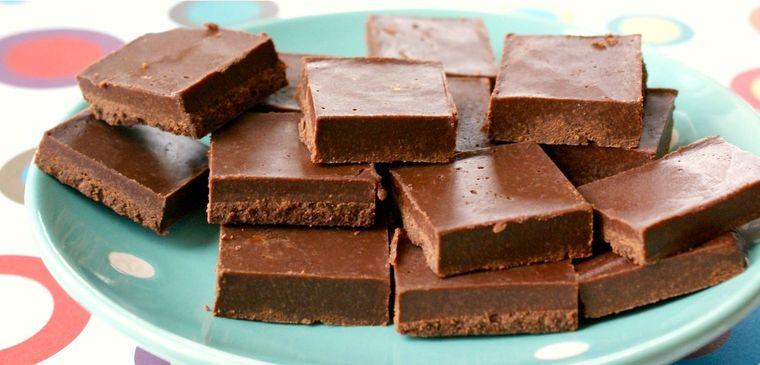 Ciocolată de casă în 3 minute. Trei pasi simpli si trei ingrediente