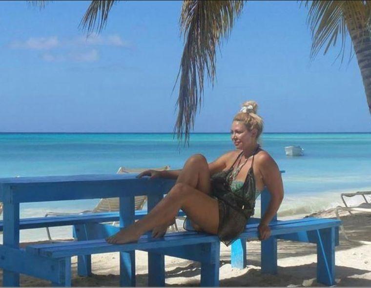 Nadia De Luca, maraton de vacanţe exotice după ce a slăbit 35 de kilograme! Uite cum arată acum la plajă cunoscuta femeie de afaceri! FOTO EXCLUSIV!