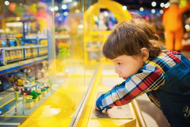 5 jucarii pe care orice copil trebuie sa le aiba