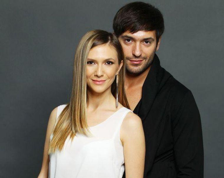 Adela Popescu şi soţul ei dorm separat