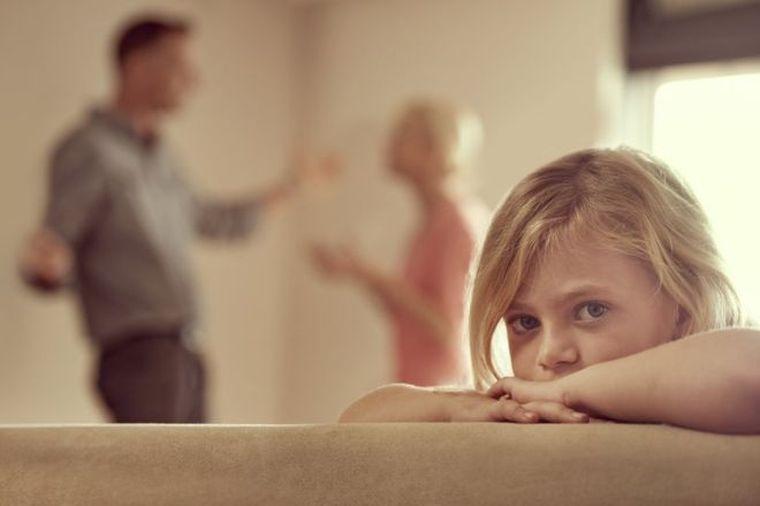 Copiii nu divorteaza de parinti! 14 confesiuni tulburatoare ale copiilor cu parinti divortati