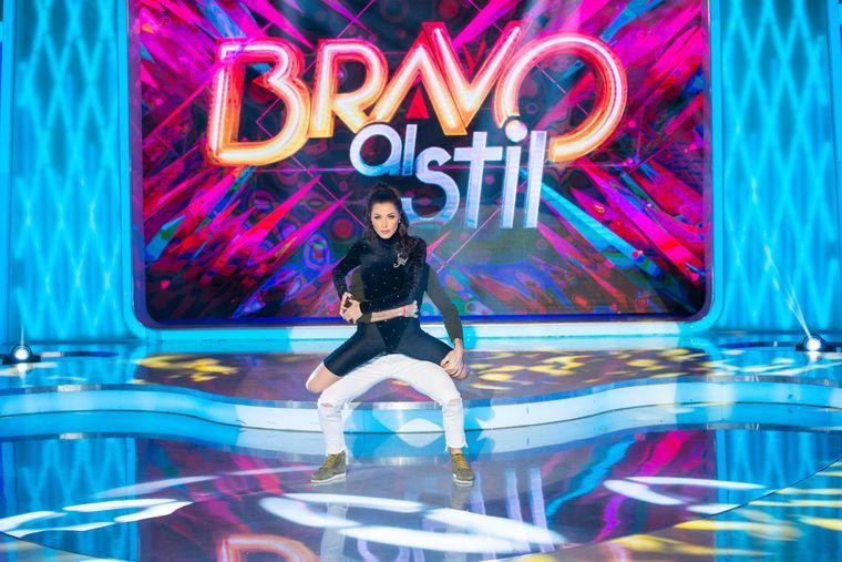 """VIDEO. Dans provocator, alături de un bărbat cunoscut in showbiz! Ilinca Vandici încinge atmosfera la """"Bravo, ai stil!""""  Întregul moment, in Gala eliminatorie a showului de maine seara"""