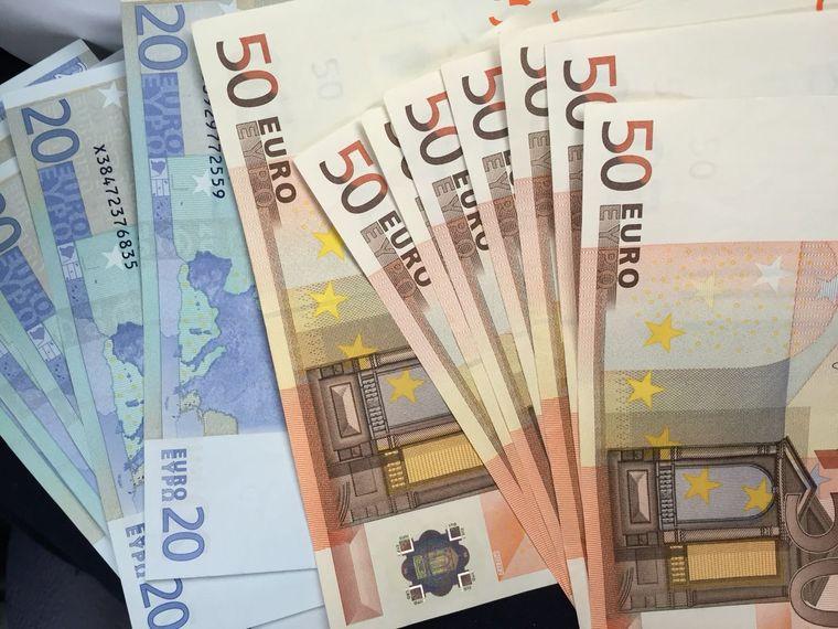 Vești imense pentru românii din străinătate! Cine va primi 1 000 de euro în plus