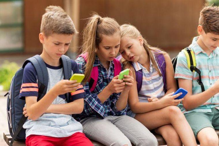 10 motive sa limitati copiilor accesul la smartphone si tableta