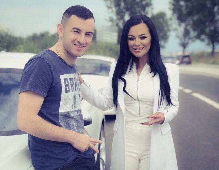 FOTO. Carmen de la Sălciua a postat prima fotografie oficială cu iubitul ei, Cosmin Isăilă. Ce frumoși sunt împreună!