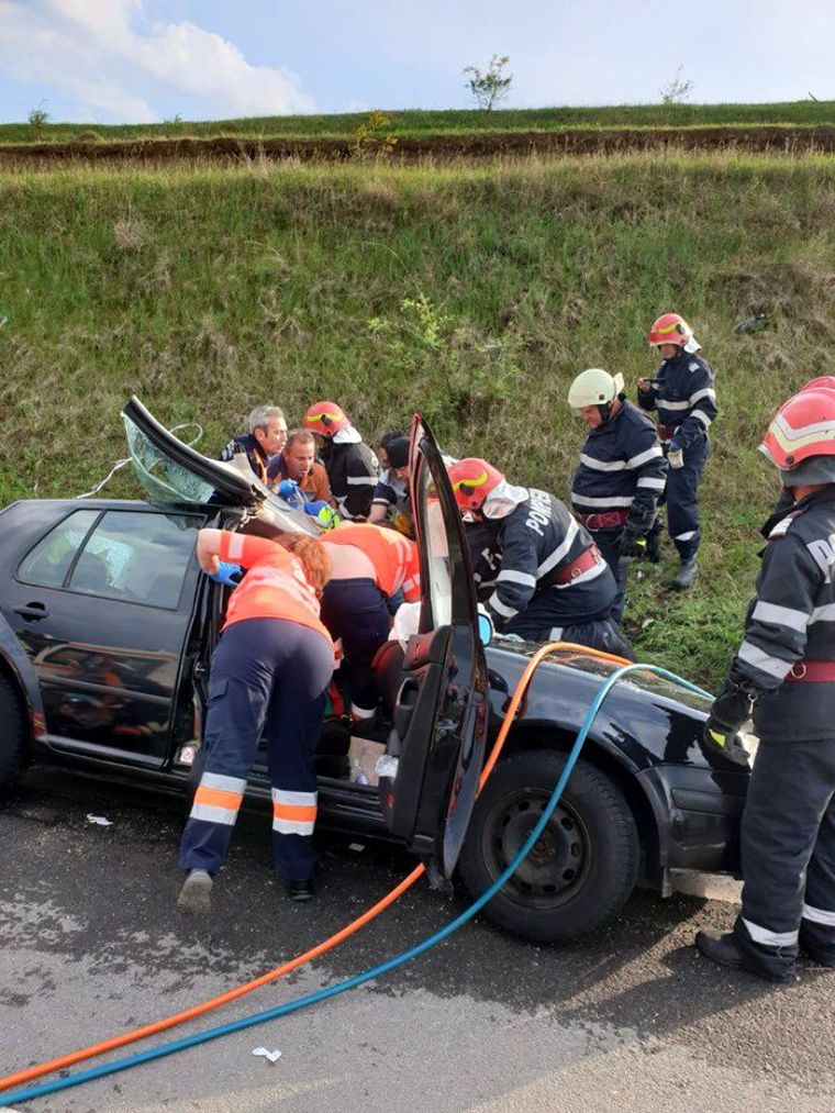 O femeie din Bulgaria a murit în România, într-un grav accident petrecut pe DN5