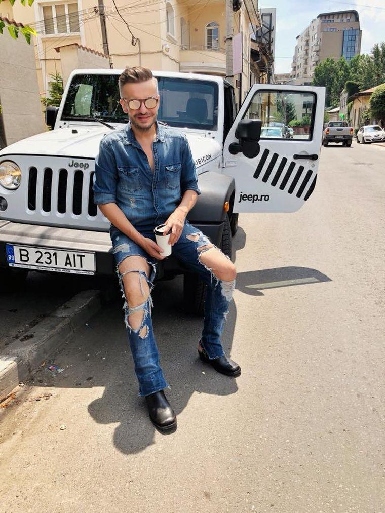 """Cum au reacționat părinții lui Răzvan Ciobanu, atunci când au aflat de orientarea lui sexuală: """"Mi-au spus: dacă aș fi știut că ești gay..."""""""