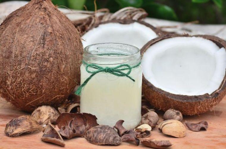 Ulei de Cocos Pentru Ten: Cum Iti Pregatesti Tenul Pentru Vara