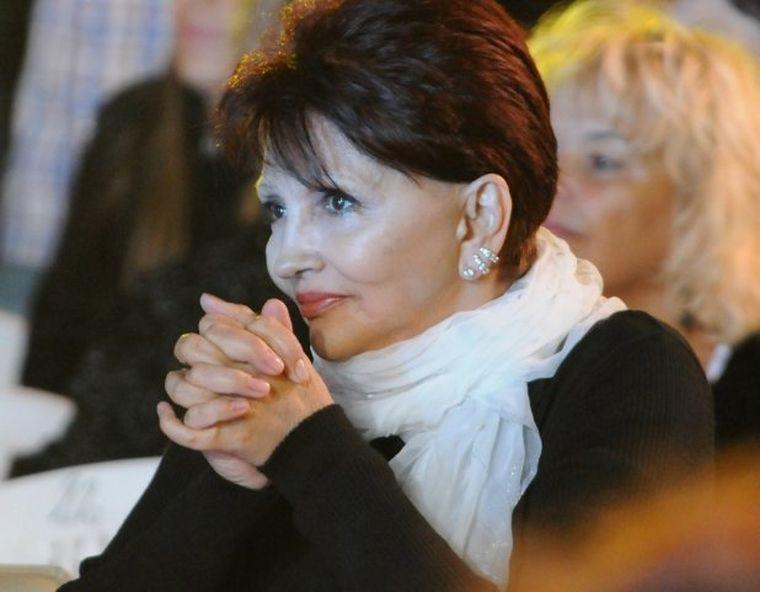 Dida Drăgan are 72 de ani, dar nu a renunţat la scenă.