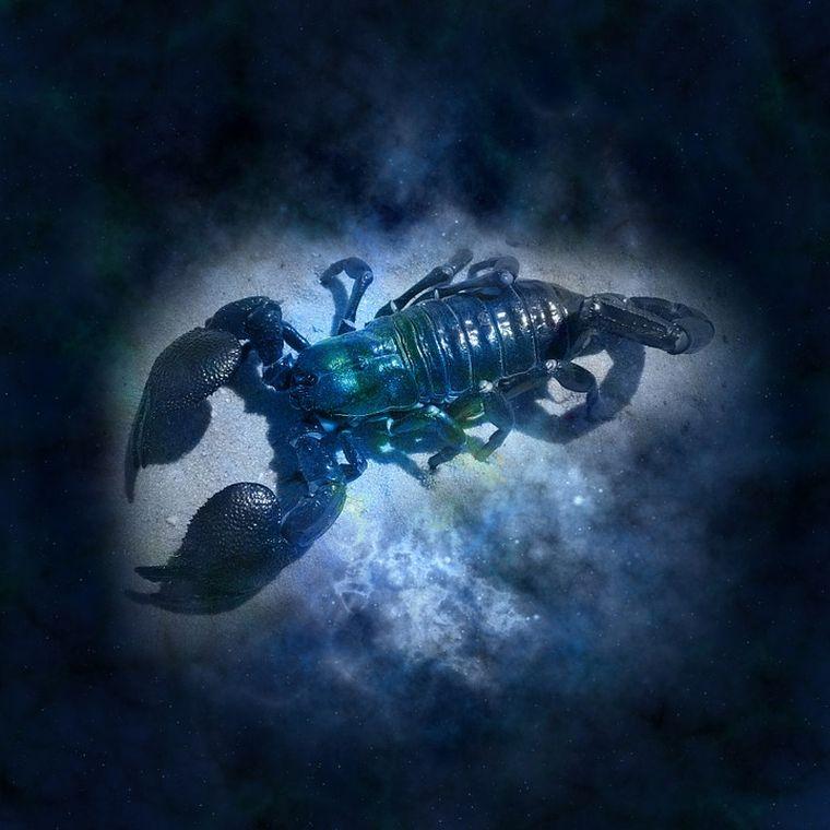 Horoscop special Luna plină în Scorpion, 18 mai 2019. Măștile cad, totul sau nimic în clipa de adevăr!