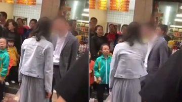 A fost refuzată de un bărbat așa că l-a bătut într-un magazin VIDEO