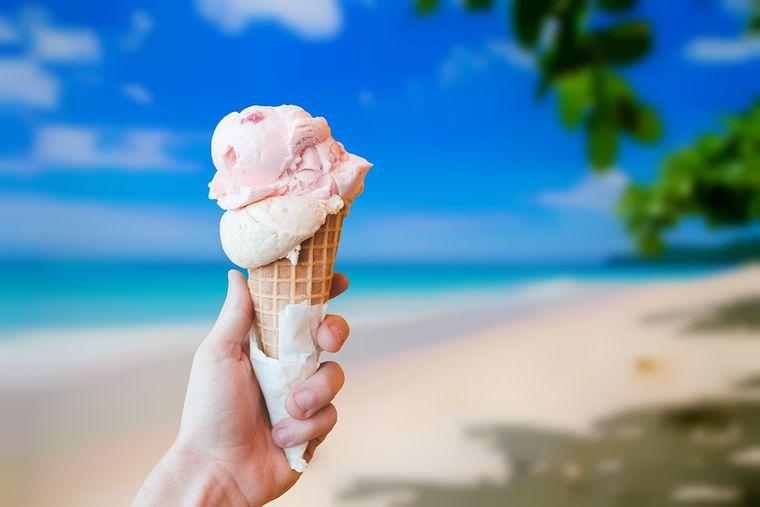 O femeie a slăbit 5 kilograme în 3 zile cu o dietă pe bază de îngheţată. MENIUL COMPLET