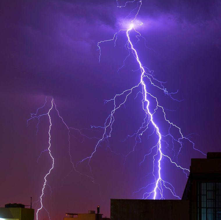 A fost emis COD GALBEN de ploi torenţiale, grindină şi vijelii