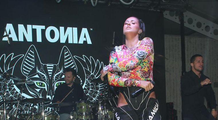 Antonia, imagini interzise minorilor! A apărut pe scenă foarte sexy
