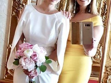 Fericire mare! S-a măritat! Iată cât de frumoasă a fost la cununia civilă!
