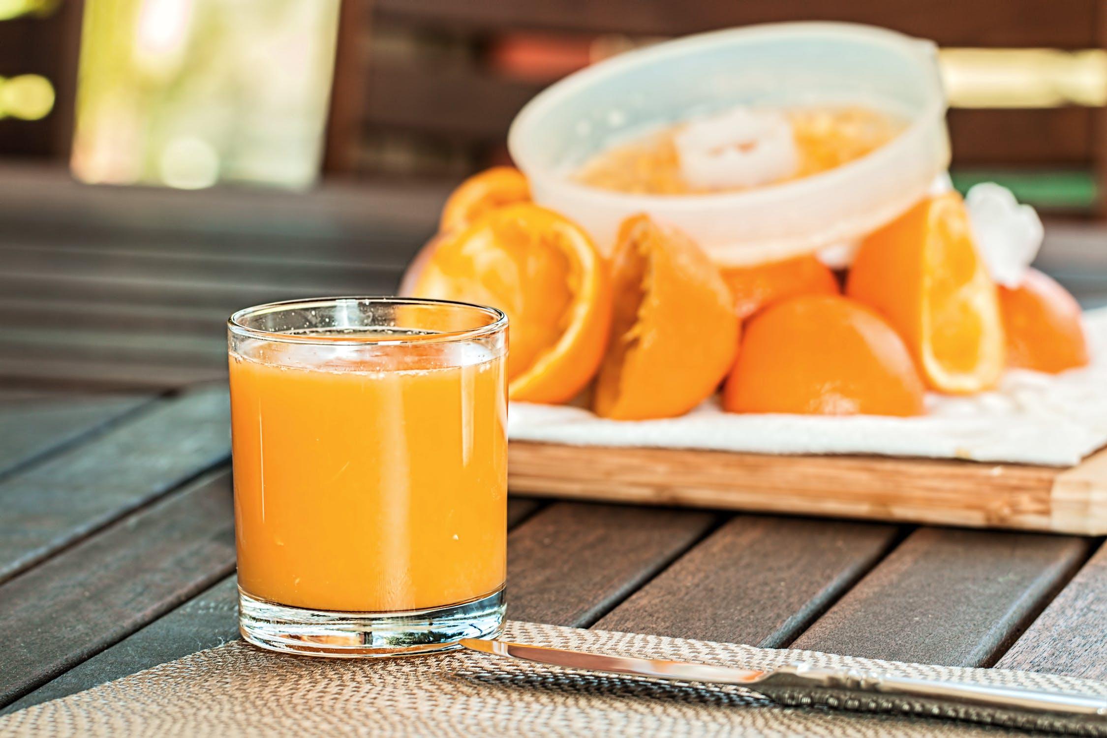 Băuturi naturale pentru a vă face să scăpați în greutate |