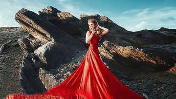 Alegerea unei rochii elegante pentru vară
