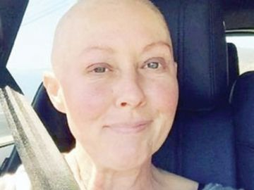 O recunoști? Este o actriță celebră diagnosticată cu cancer! Este incredibil cât s-a transformat