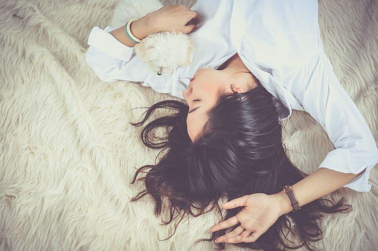 Somnul, cauza principală în creșterea greutății