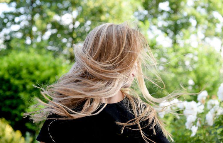 Ce trebuie să faci ca să ai un păr frumos și sănătos