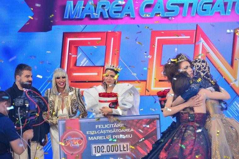 """Finala """"Bravo, ai stil!"""": Elena a câștigat Coroana pentru cea mai stilată femeie din România și cei 100.000 de lei!"""